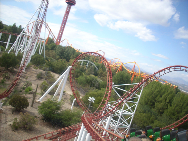 Viper (Six Flags Magic Mountain) Review - Incrediblecoasters